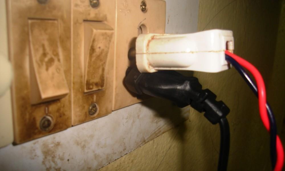Unsafe electrical plugs